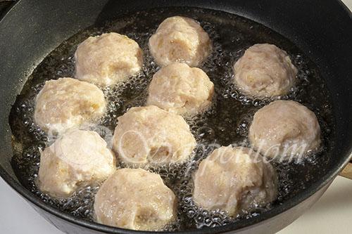 Куриные тефтели на сковороде #шаг 12