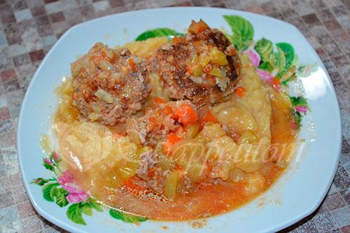 Тефтели с рисом с подливкой в томатном соусе #шаг 8