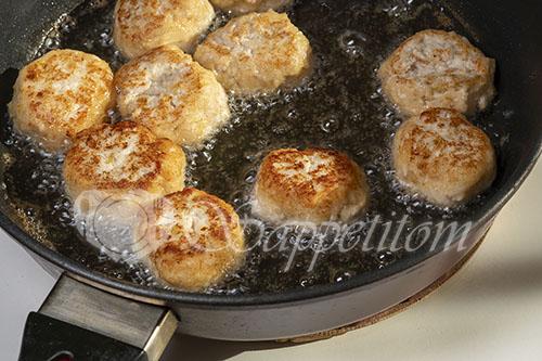Куриные тефтели на сковороде #шаг 13