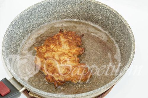 Отбивные из свинины на сковороде #шаг 11