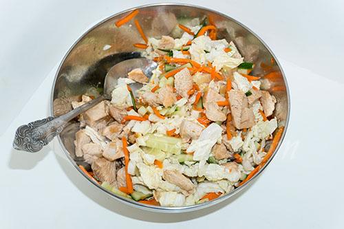 Салат из пекинской капусты с курицей #шаг 17