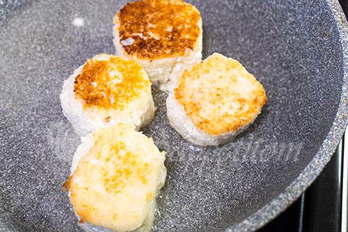 Сырники из творога на сковороде #шаг 6