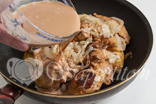Курица с картошкой на сковороде #шаг 15