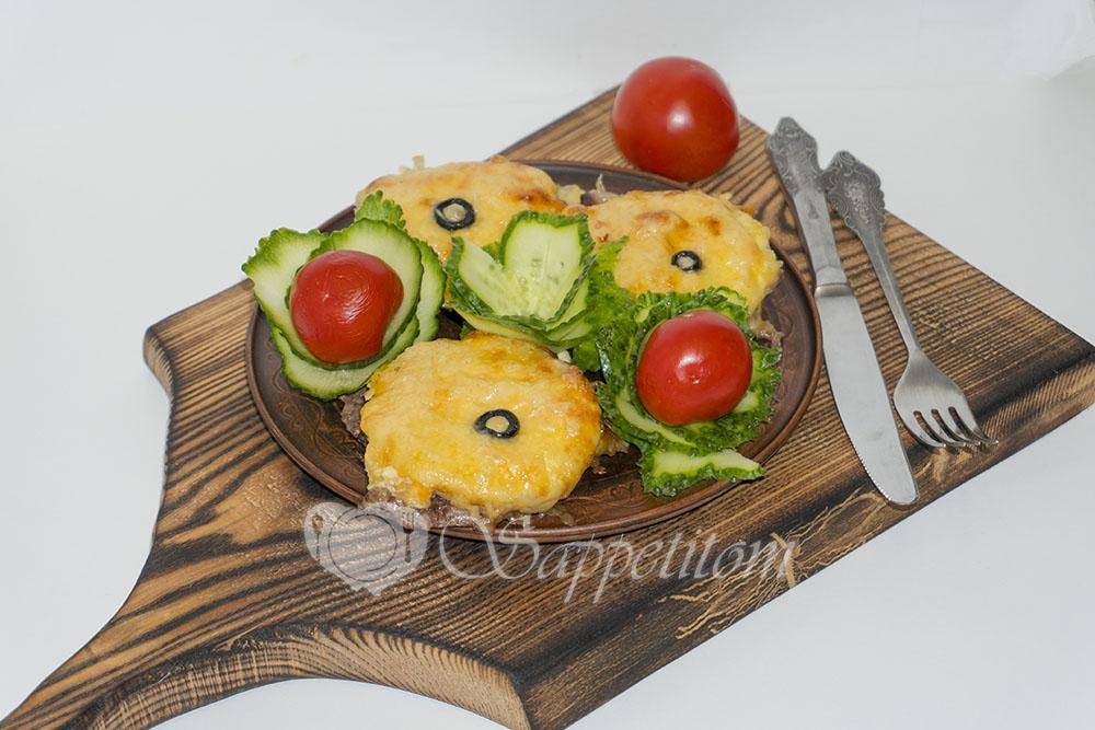 Говядина под ананасами