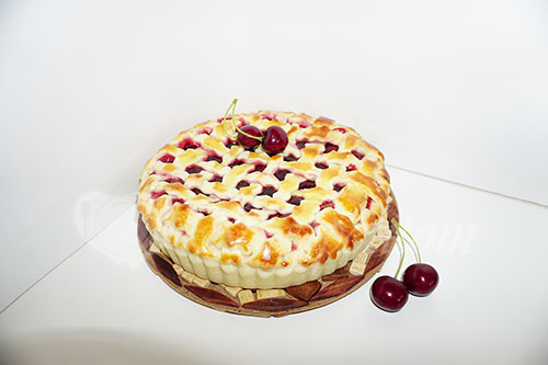 Пирог с вишней в духовке #шаг 10