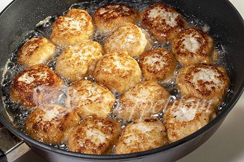 Куриные тефтели на сковороде #шаг 15