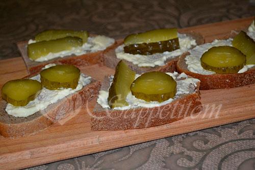 Бутерброды со шпротами #шаг 4