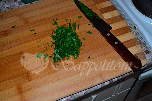 Салат с фасолью и сухариками #шаг 2