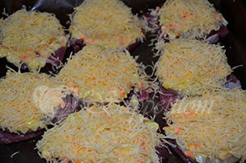 Свинина в соусе с ананасами и сыром в духовке #шаг 5