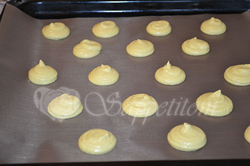 Пирожное Макарон (Macaron) манговый #шаг 18