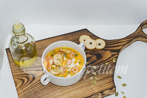Суп-пюре из тыквы со сливками