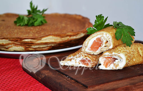 Блины с красной рыбой и творожным сыром