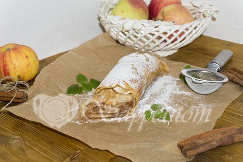 Яблочный штрудель вытяжное тесто