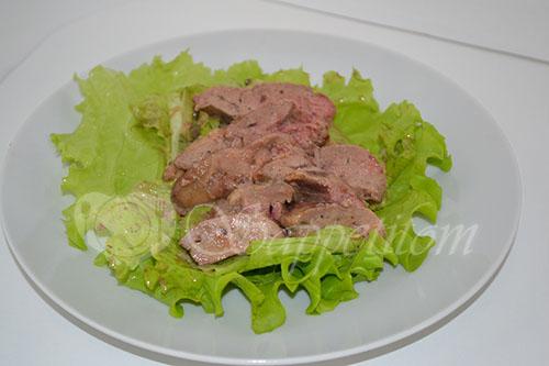 Теплый салат с куриной печенью #шаг 15