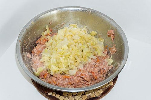 Ленивые голубцы с капустой, рисом и фаршем на сковороде #шаг 14