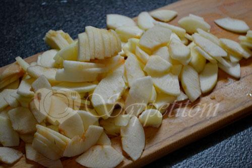 Пирог с яблоками и сметанным кремом #шаг 11