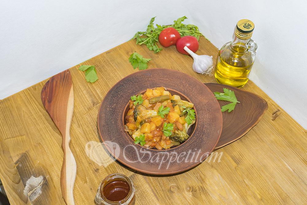 Овощное рагу с томатом