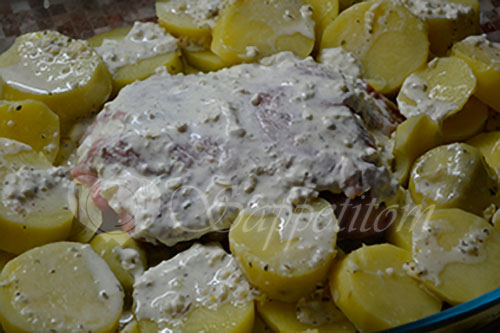 Свинина в духовке с чесночным соусом #шаг 5