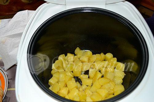 Картофель с сыром и стручковой фасолью в мультиварке #шаг 4