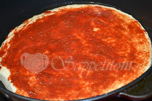 Ленивая пицца на сковороде #шаг 11