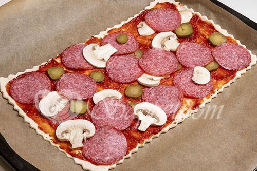 Пицца из слоеного теста #шаг 6