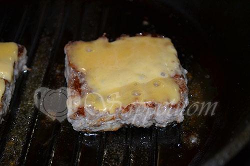 Свиная котлета с сыром чеддер #шаг 7