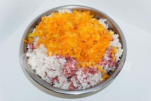 Голубцы с рисом, фаршем и пекинской капустой #шаг 8