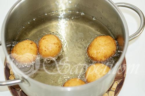 Творожные шарики жареные в масле #шаг 8