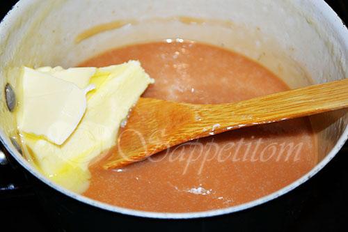 Тыквенный кекс с карамелью и начинкой чизкейк #шаг 22