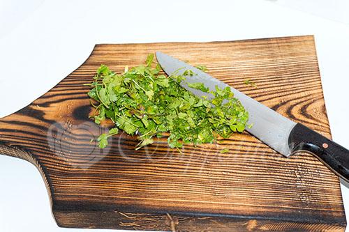 Салат с крабовыми палочками и помидорами #шаг 5
