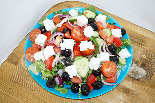 Греческий салат классический #шаг 11
